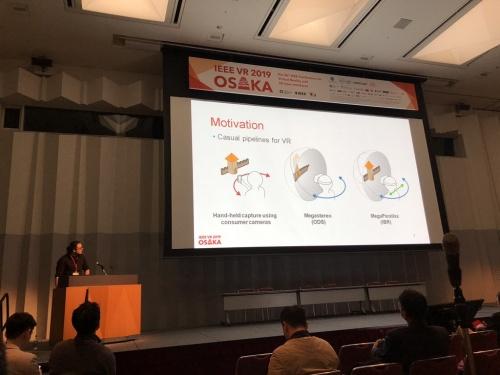 CAMERA PhD student Tobias Bertel presents at IEEE VR 2019