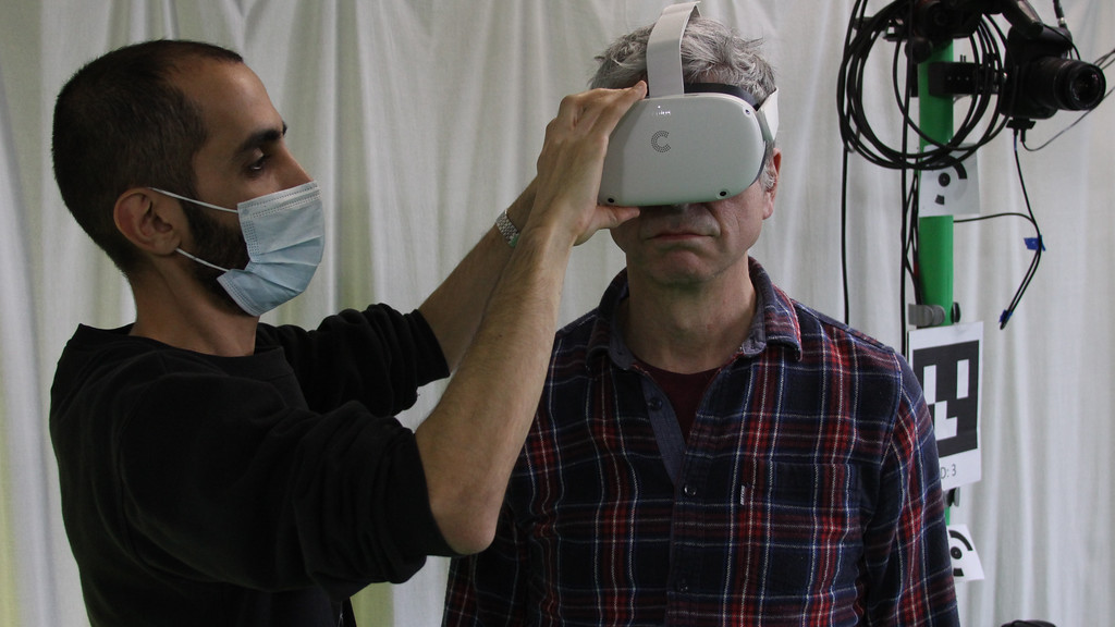 CAMERA Virtual Reality could help improve balance in older people